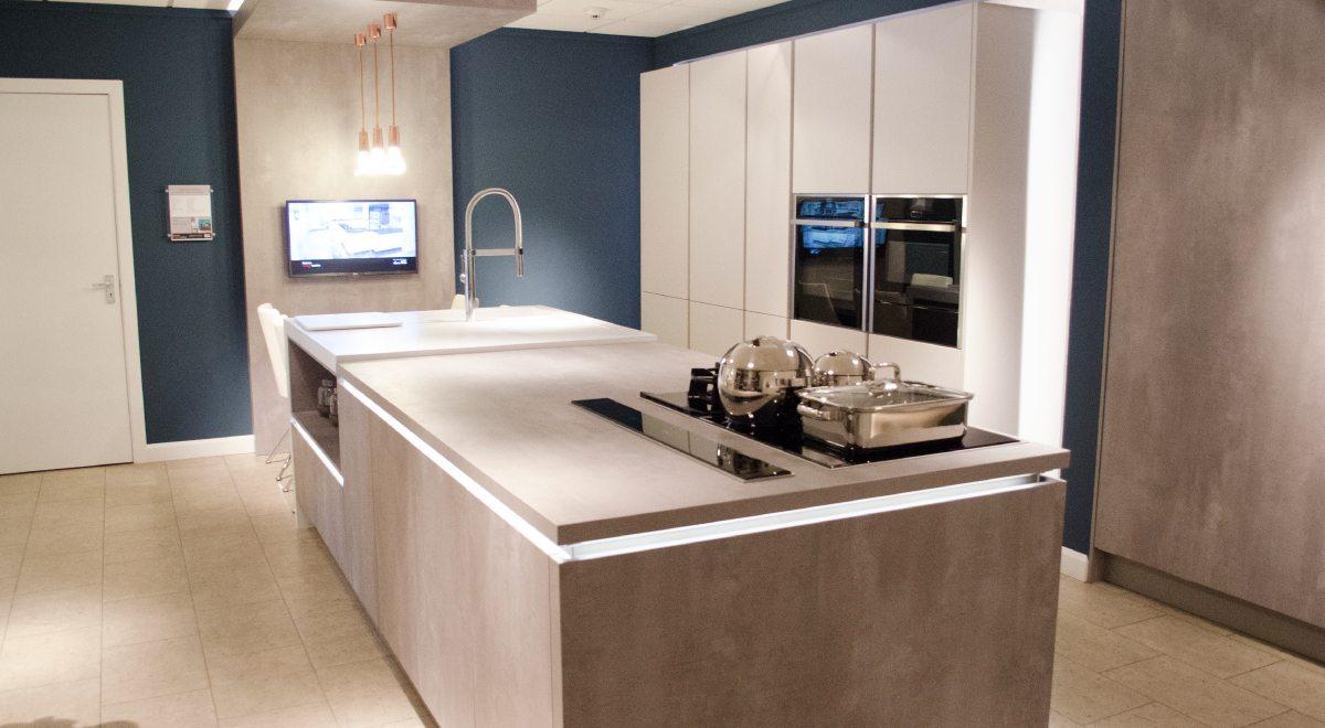 Kitchen showroom manchester kitchen design centre manchester for Kitchen display