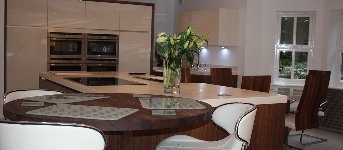 big bright and beautiful kitchen design in bowdon kitchen design centre. Black Bedroom Furniture Sets. Home Design Ideas