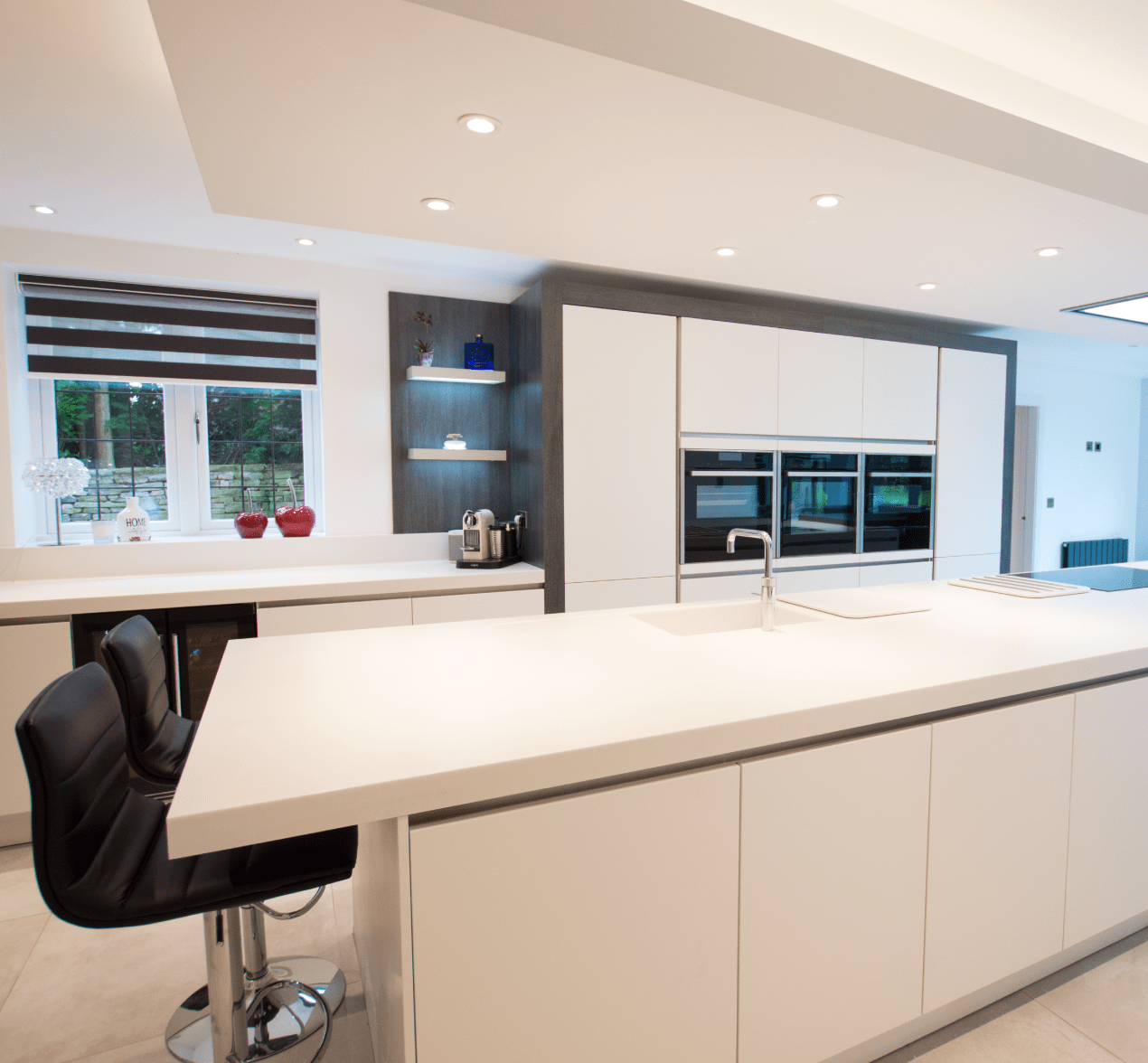 Family Kitchen Design Ideas For Cooking And Entertaining: The Contemporary Family Kitchen For Customers In Stockport