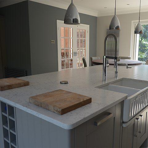 true-english-charm finished kitchen